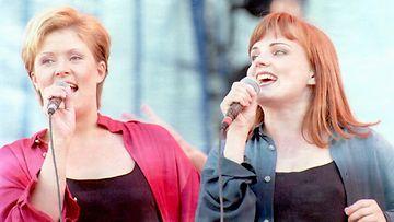 Taikapeili (Hanna-Riikka Siitonen ja Nina Tapio) 1995