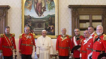 Maltan Ritarit ja paavi