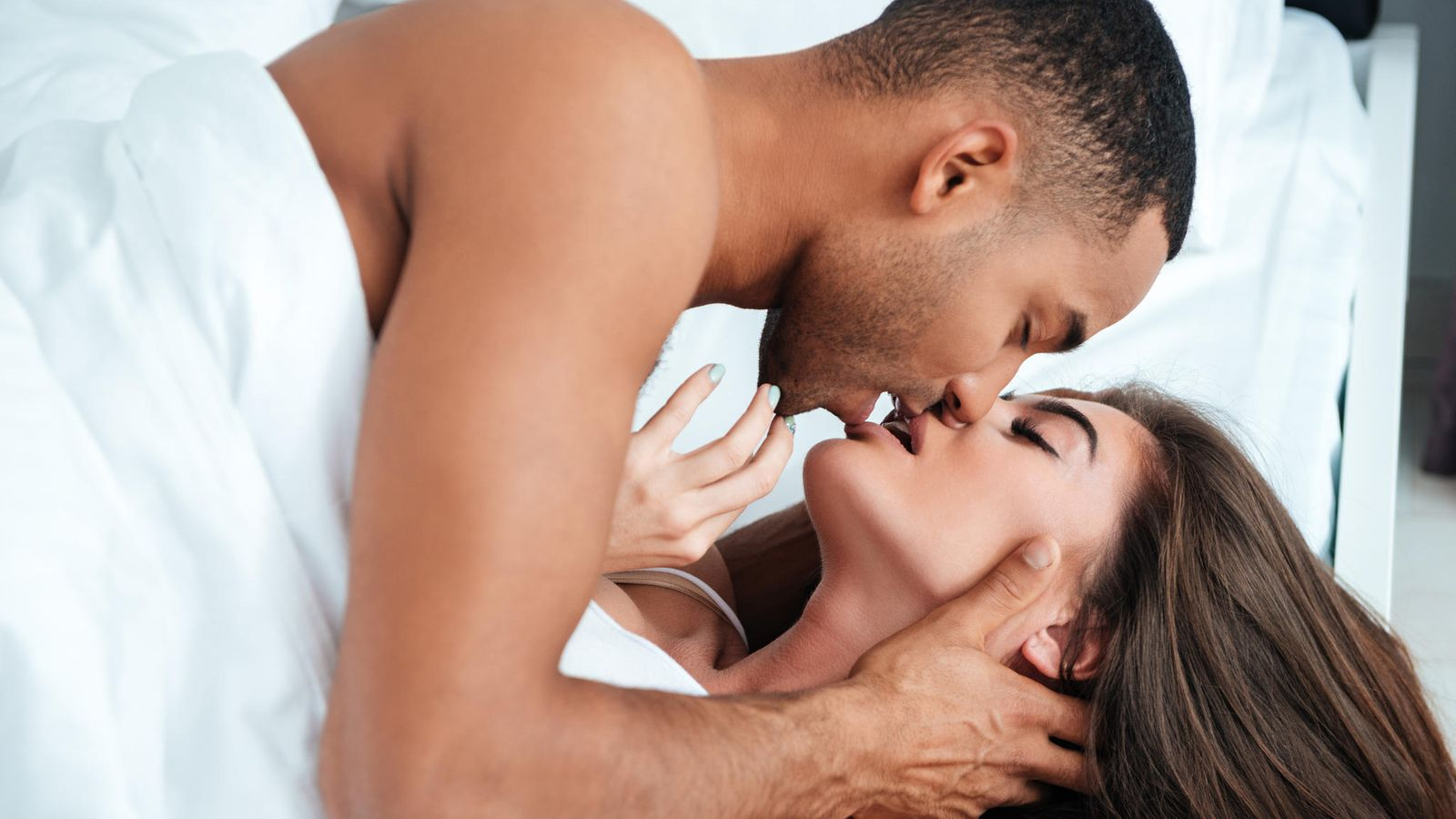 Секс в троём мужчина мужчина и женщина позы, Гид по сексу втроём: Как его организовать, чтобы всем 19 фотография