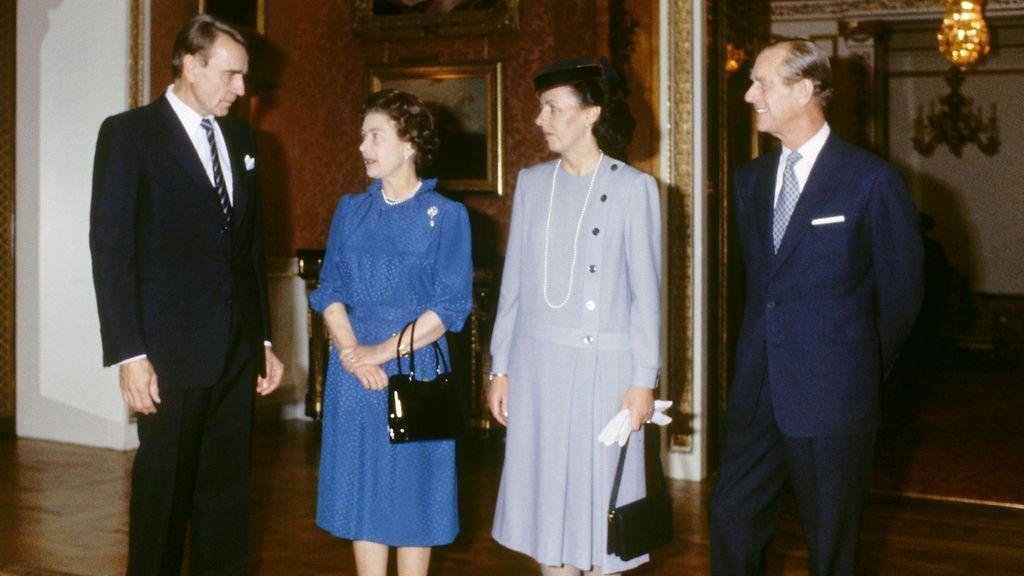 Kuningatar Elisabetilta surunvalittelut Koiviston kuoleman johdosta - muistelee lämmöllä ...
