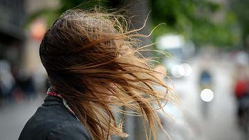 Tuuli, hiukset