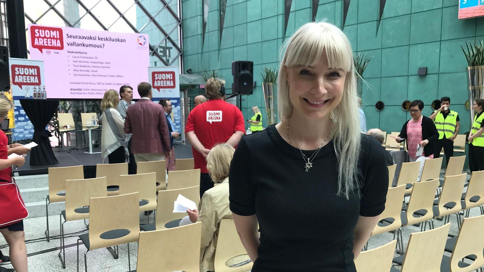 Laura Huhtasaari ei kadu menneitä kohupuheitaan