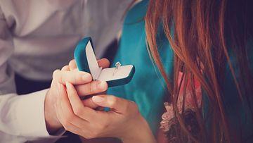 kihlaus kihloihin sormus kihlasormus