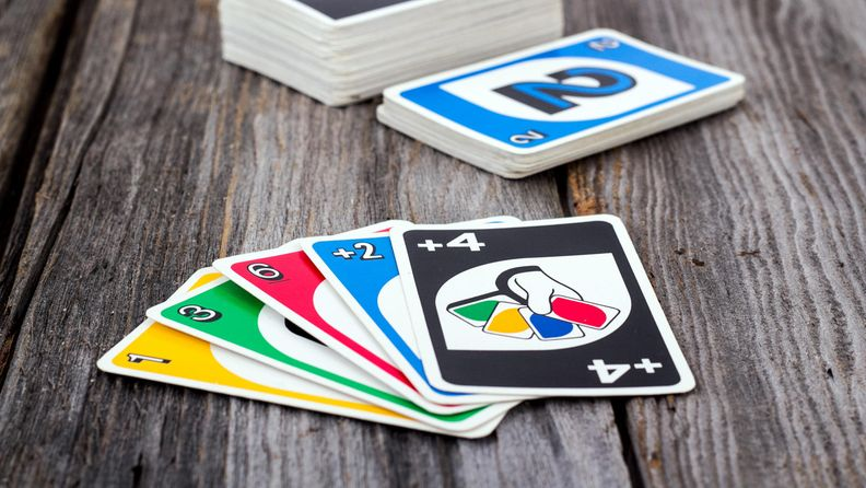 UNO peli kortteja