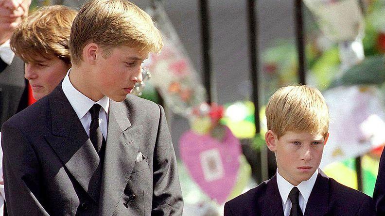 William ja Harry prinsessa Dianan hautajaiset 1997