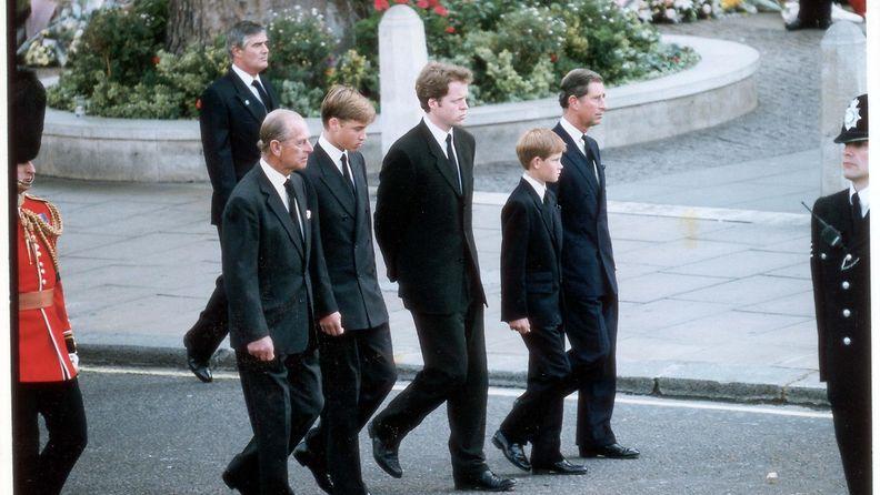 Diana kuoli, kuvaa muutama päivä kuoleman jälkeen 1997 14
