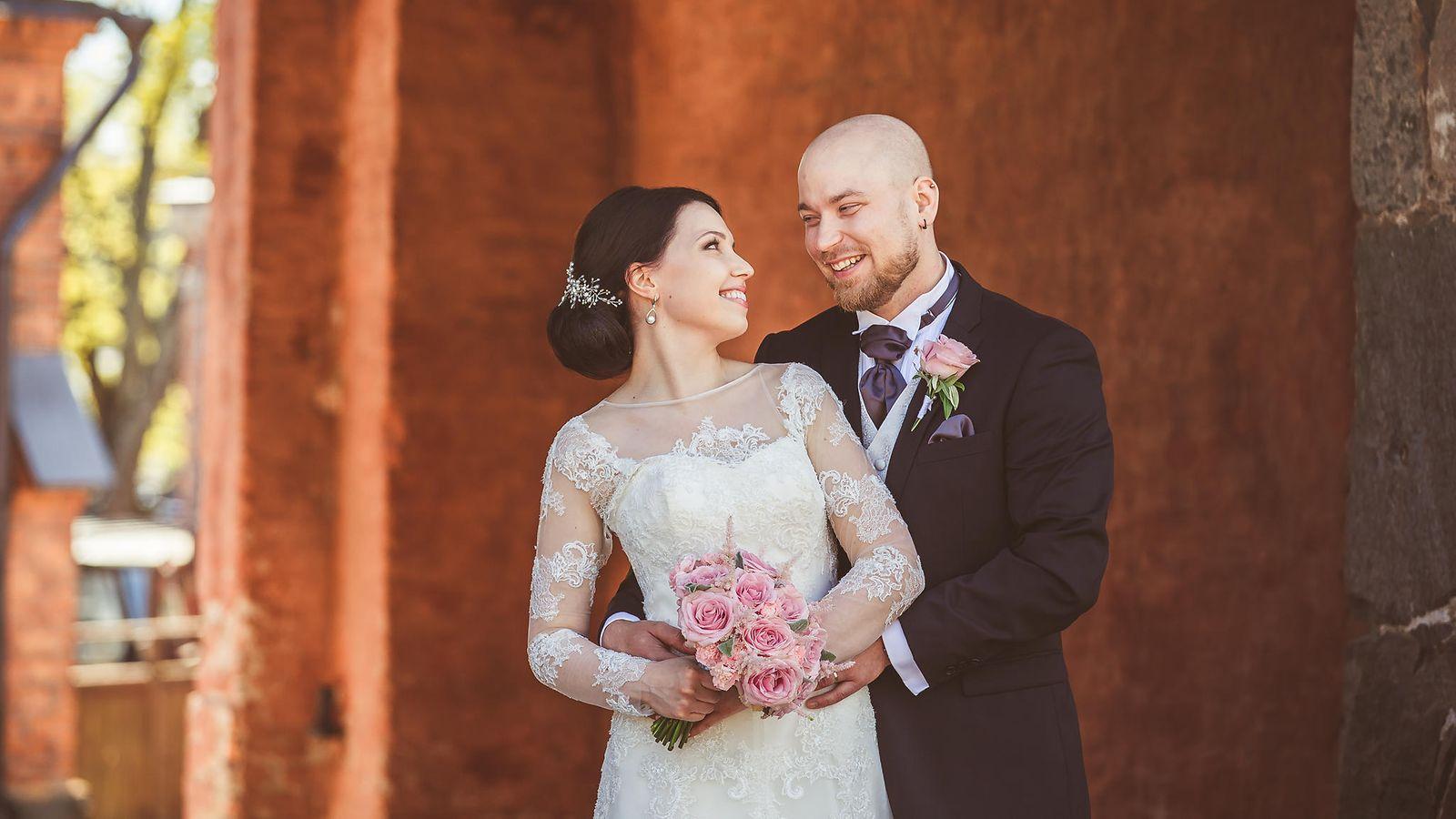Nyt se on virallista – Ensitreffien Aliisa ja Esa jättivät avioerohakemuksen - Ensitreffit ...