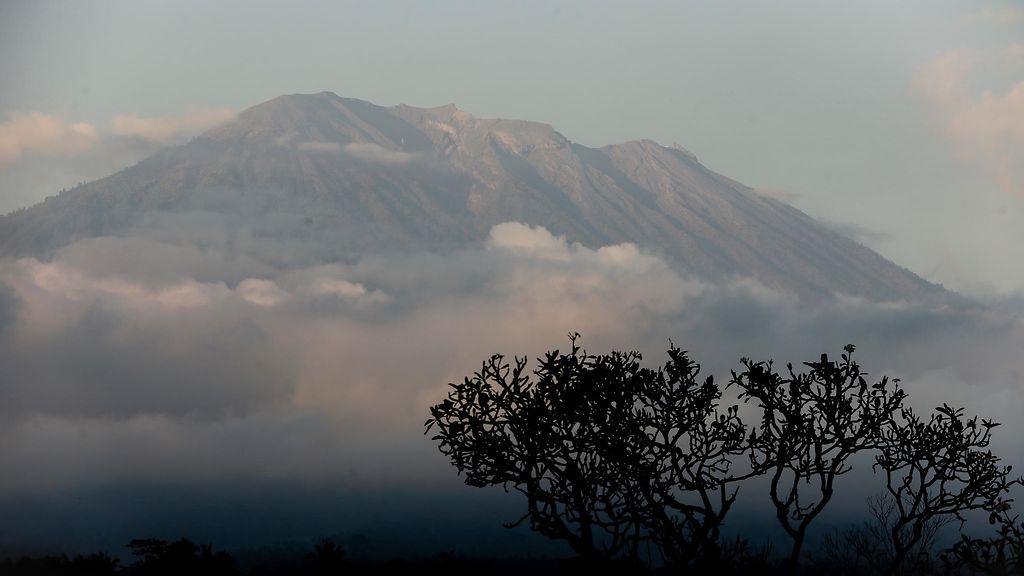 Balilla korkeimman tason varoitus tulivuoresta – maa vavahtelee jo - Ulkomaat - Uutiset - MTV.fi