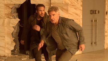 Blade Runner 2049 Ryan Gosling ja Harrison Ford