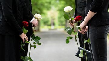 hautajaiset, suru, ruusut