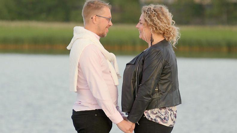 Markus ja Johanna rannalla
