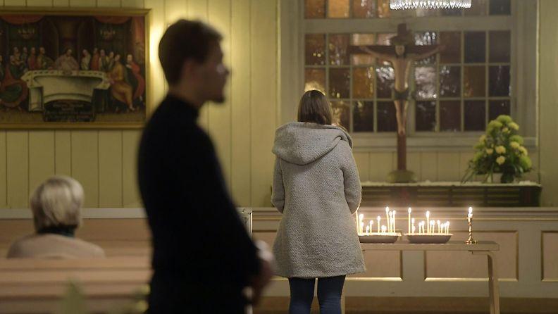 porvoo-kirkko-ilta