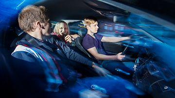 nuoret autossa rattijuopumus rattijuoppo