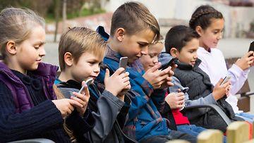 lapset älypuhelimet