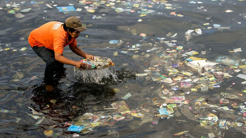 Muovi Meressä