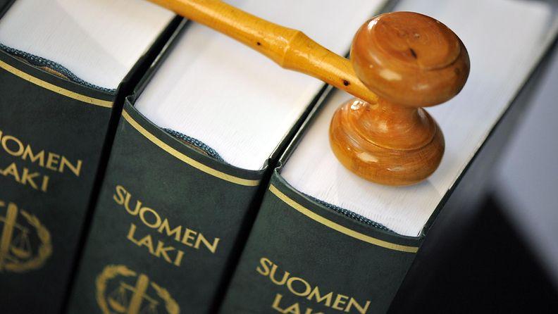 Oikeus lakikirja nuija
