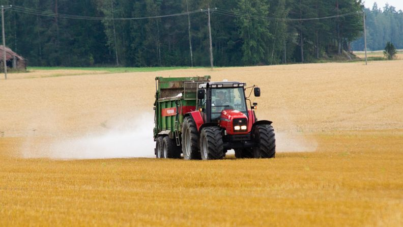 kipsi, Lieto, SAVE-hanke, rehevöityminen, traktori