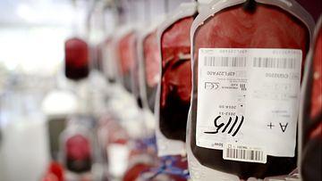 Verenluovutus veripalvelu