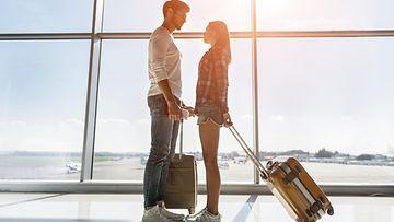 riita, lentokenttä, pariskunta