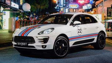 1546126_macan_martini_racing_holland_village_singapore_2017_porsche_ag
