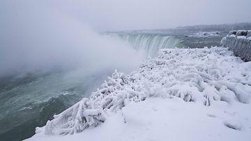 Niagaran putoukset talvi pakkanen AOP 3