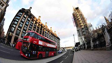 Lontoo Big Ben bussi AOP