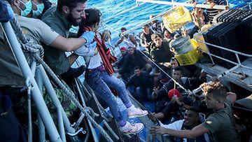 EPA-siirtolaisia-välimeri
