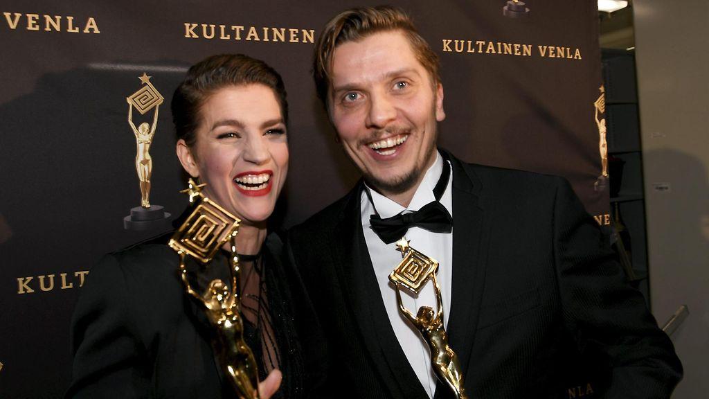 KUVAT: Iina ja Minka Kuustonen sävähdyttivät kutsuvierasnäytöksessä - Viihde - MTV.fi