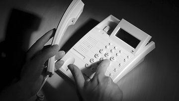 puhelin huijaus vanhus 1
