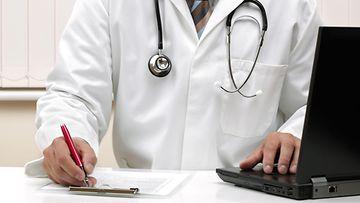 AOP Potilastiedot lääkäri tietokone kanta 25.C942M5