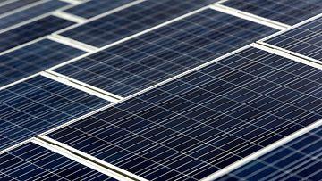 Aurinkopaneeli aurinkovoima aurinkosähkö