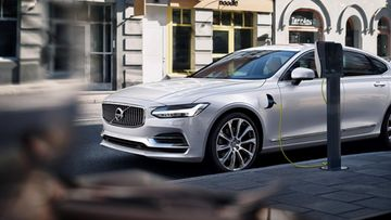 volvo s90 twin engine hybridi