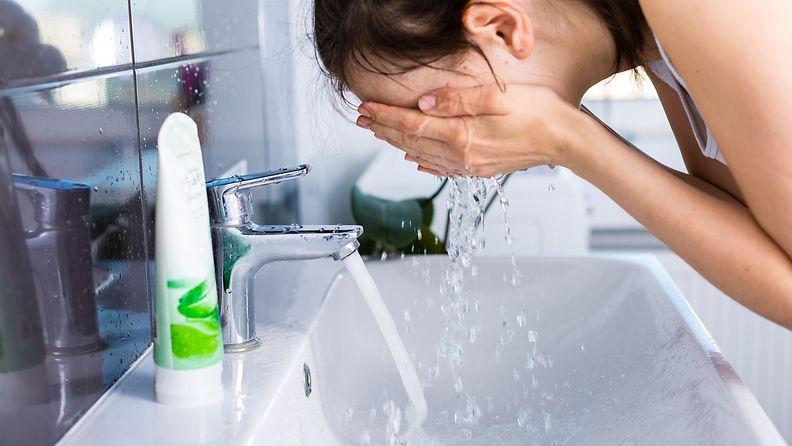 pestä kasvot