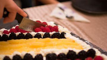 kakku leikkaus