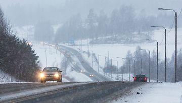 liikenne talviautoilu valtatie