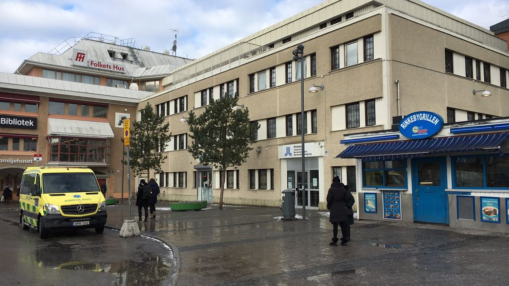 Rinkebyssä on palveluja, kuten kirjasto, terveyskeskus ja kauppoja. Copyright: Mediahub. Kuva: Tiia Palmén.
