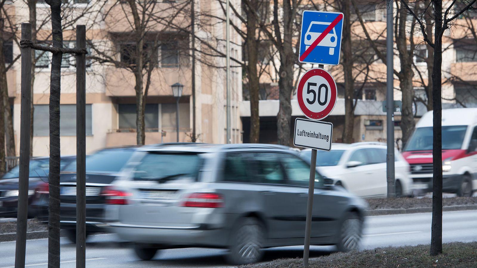 Saksan hallinto-oikeudelta miljoonia autoilijoita koskeva päätös – kaupungit saavat kieltää ...