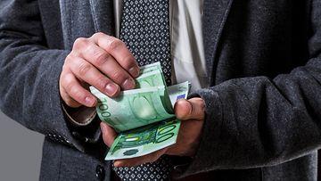 AOP lahjus lahjukset lahjonta korrupio veropetos harmaa talous talousrikos talousrikollisuus talousrikokset 1.03592996 (2)