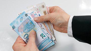 raha talous