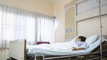 sairaalasänky, nainen