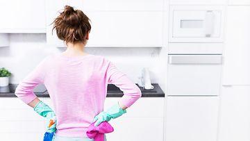 keittiö, siivous, nainen