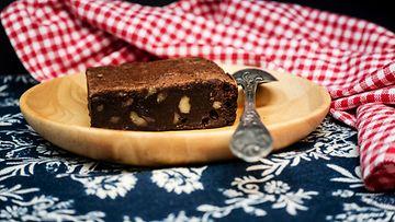 brownie suklaa pähkinä