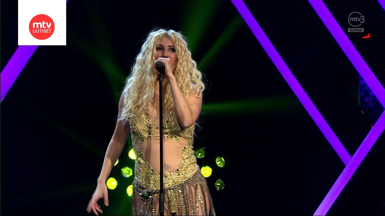 Linda Wiklund Shakira