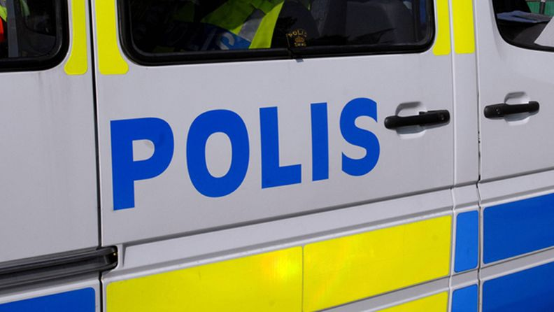 polis-poliisi-ruotsi-kuvitus-AOP
