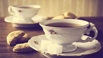 teeastiasto teekupit teehetki