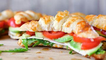 Croissant Club Sandwichit