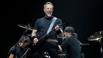 Metallica Hartwall Arena 9.5.2018 James Hetfield, Robert Trujillo, Lars Ulrich