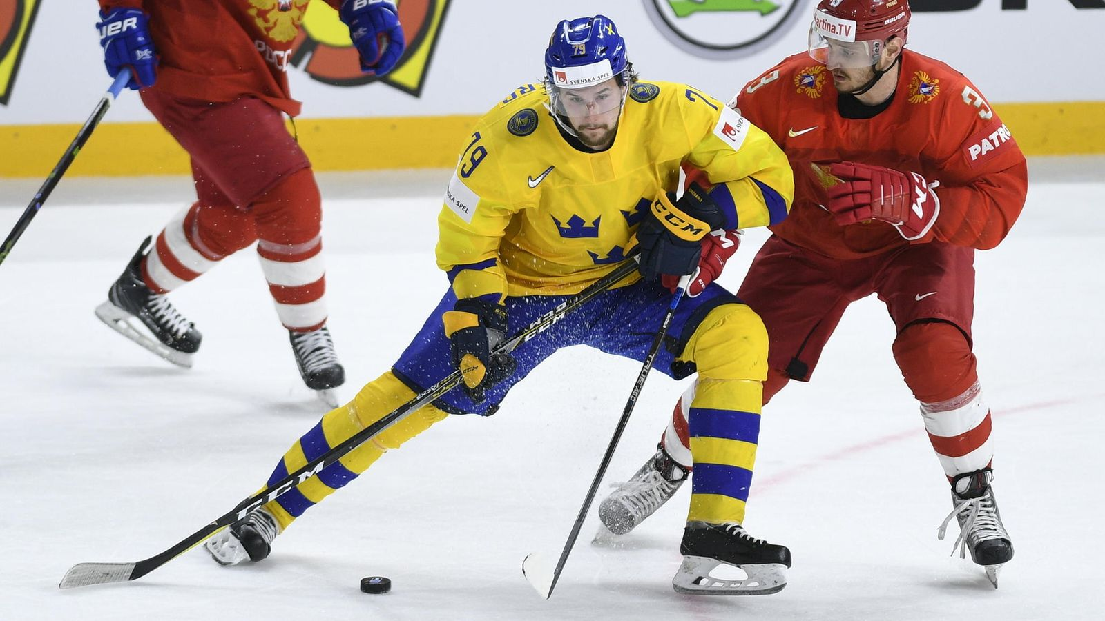 Laukaus, joka saa myös Pekka Rinteen hämilleen – Ruotsin NHL-tähdeltä poikkeuksellista ...