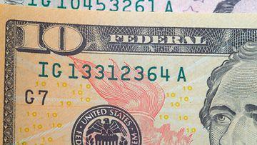 Yhdysvaltain dollareita AOP