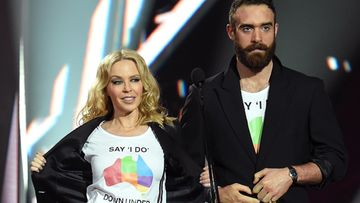 Kylie Minogue ja Joshua Sasse marraskuu 2016